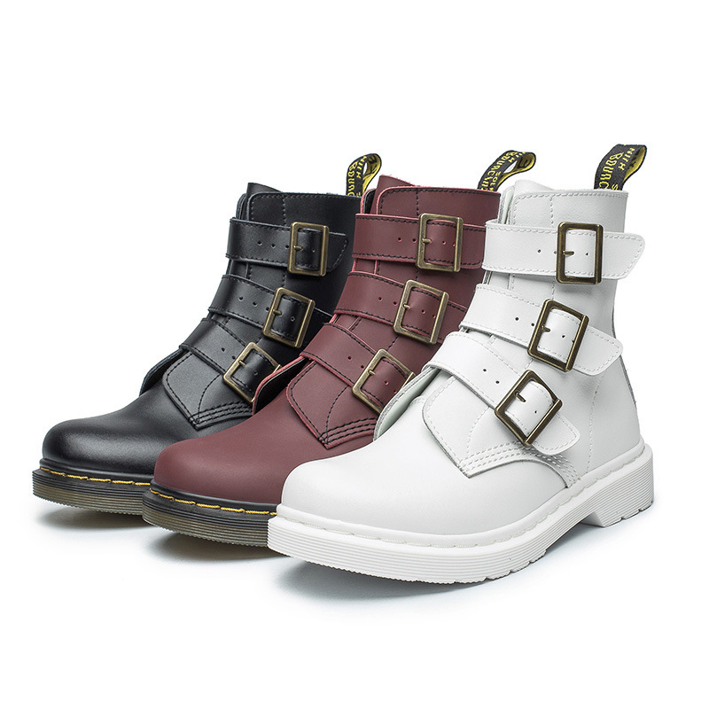 2018 winter new fashion trend Martin boots female punk style metal buckle high boots comfortable non-slip casual womens boots.2018 winter new fashion trend Martin boots female punk style metal buckle high boots comfortable non-slip casual womens boots.