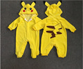 Nuevo Pikachu Siameses bebé suéteres de otoño e invierno de manga larga bordado con capucha para bebé ropa de escalada