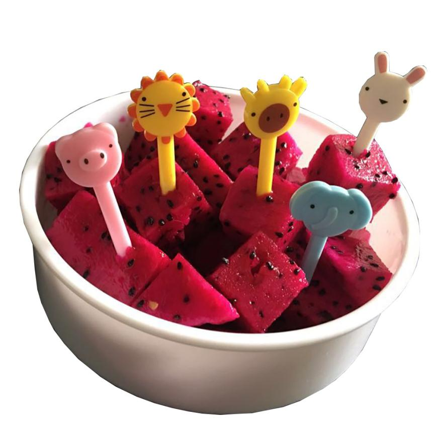2017 Animal Fruit Fork Kids Use cartoon hot sale new Creative Plastic Forks Food Decoration bento accessories drop ship 17JUN5