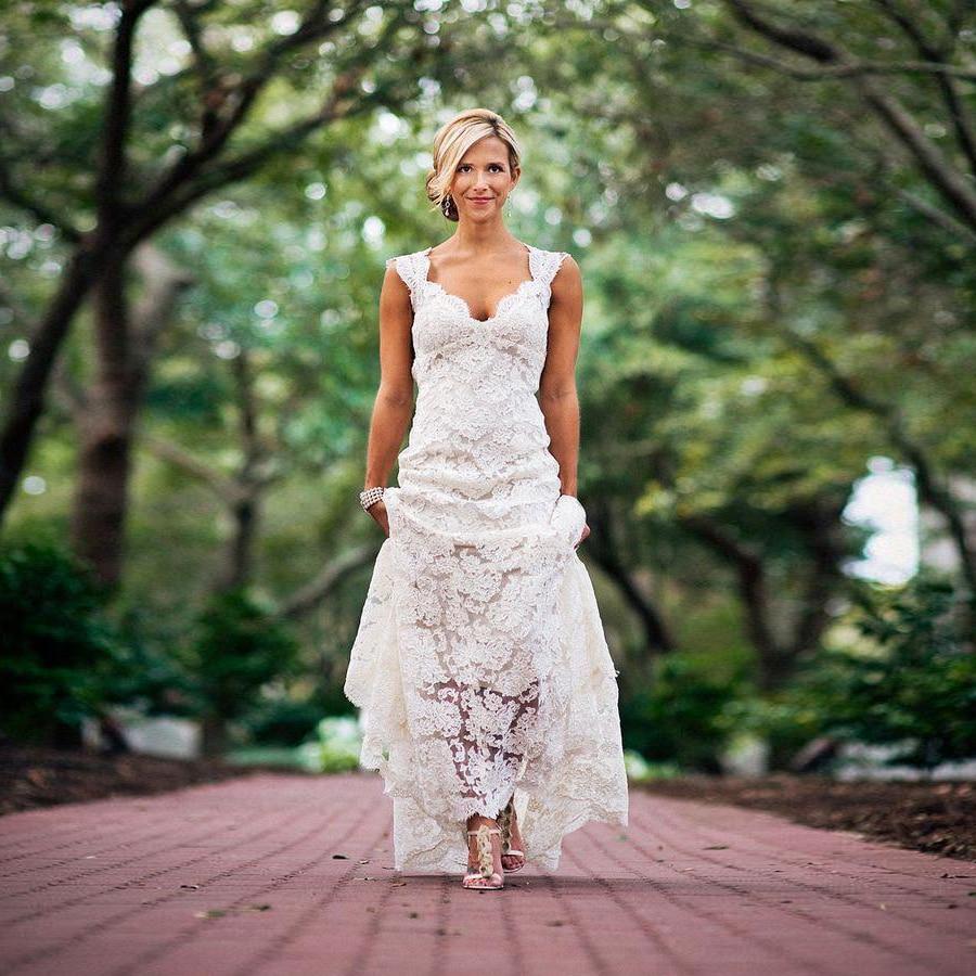 Vintage Full Lace Plus Size Wedding Dresses Country Style Deep V-neck Keyhole Back Wedding Dress Bridal Gowns Robe De Mariée