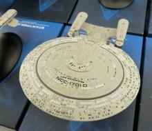 Star Trek USS Enterprise NCC-1701-D Spaceship Model Beyond U.S.S. Startrek Into Darkness Classic Ship Figures Gift Free shipping