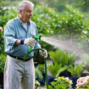 Image 5 - 50 футов 1 набор новых высококачественных садовых шлангов автоматический телескопический волшебный шланг садовые инструменты и оборудование 8 функций водяной пистолет