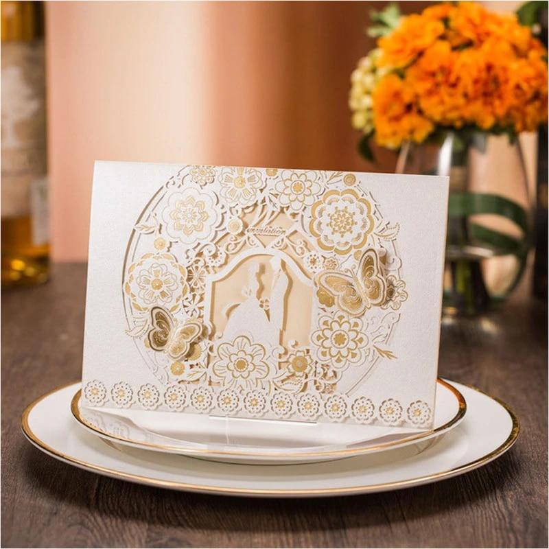 cartes d invitation mariage or blanc 50 pieces decoupees au laser motif floral papillon invitations de mariage impression personnalisee gratuite