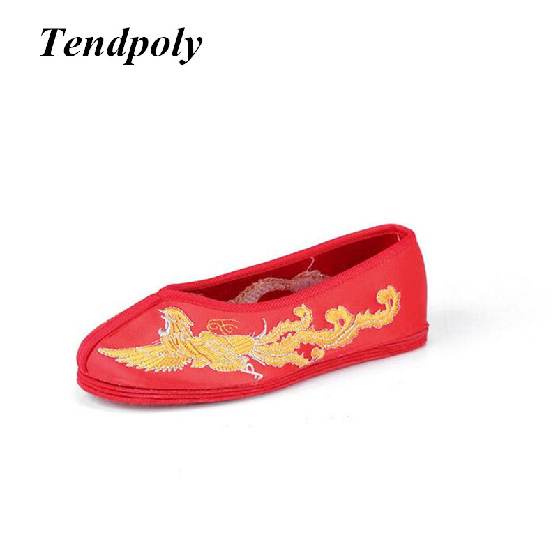 2018 New Chinese folk style classic retro female flat shoes exquisite embroidery fashion wild wedding banquet women cloth shoes retro wild embroidery female packet 2018