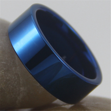 Aduanas envío gratuito grabado anillo de venta caliente 8 MM azul brillante de los nuevos hombres de moda tungsteno anillo de bodas