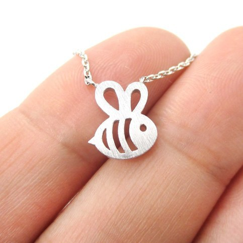 Daisies 1pc Fomous Jewelry Bumble Bee Necklace Shaped Cute Insect Charm Pendant Long Necklace for women girls graceful rhinestoned three layered v shaped necklace for women