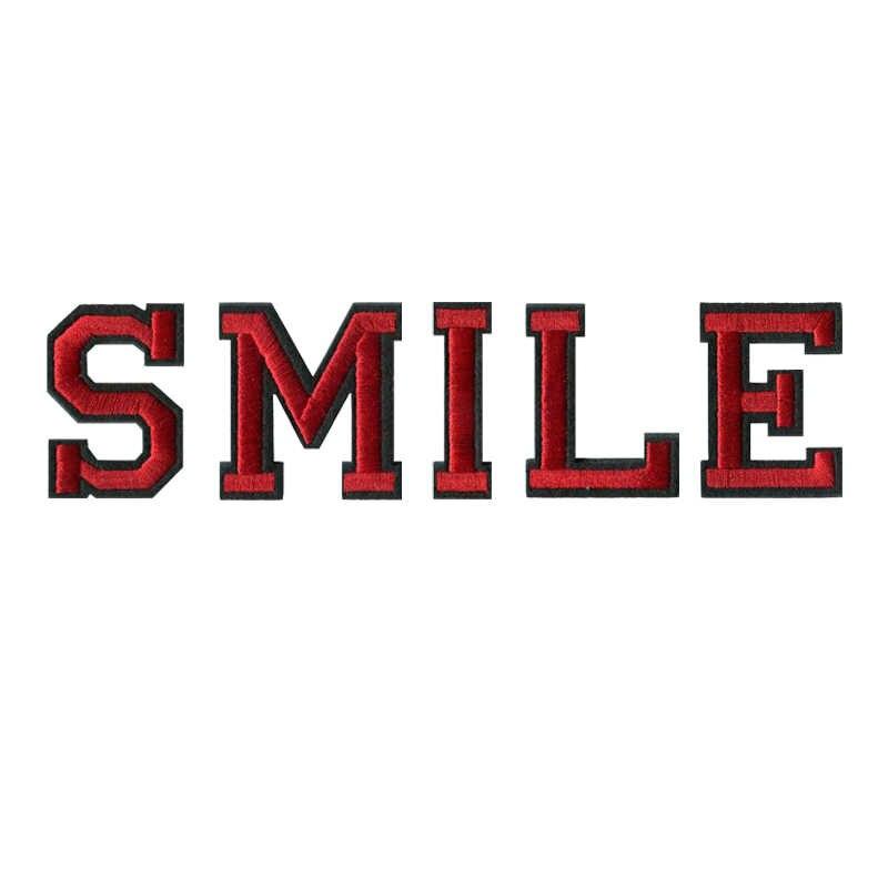 1 ud. A-Z letras rojas y negras del alfabeto inglés bordado mezclado cosido en el hierro del bagde en el parche para el pantalón de la bolsa de ropa (48MM de alto)