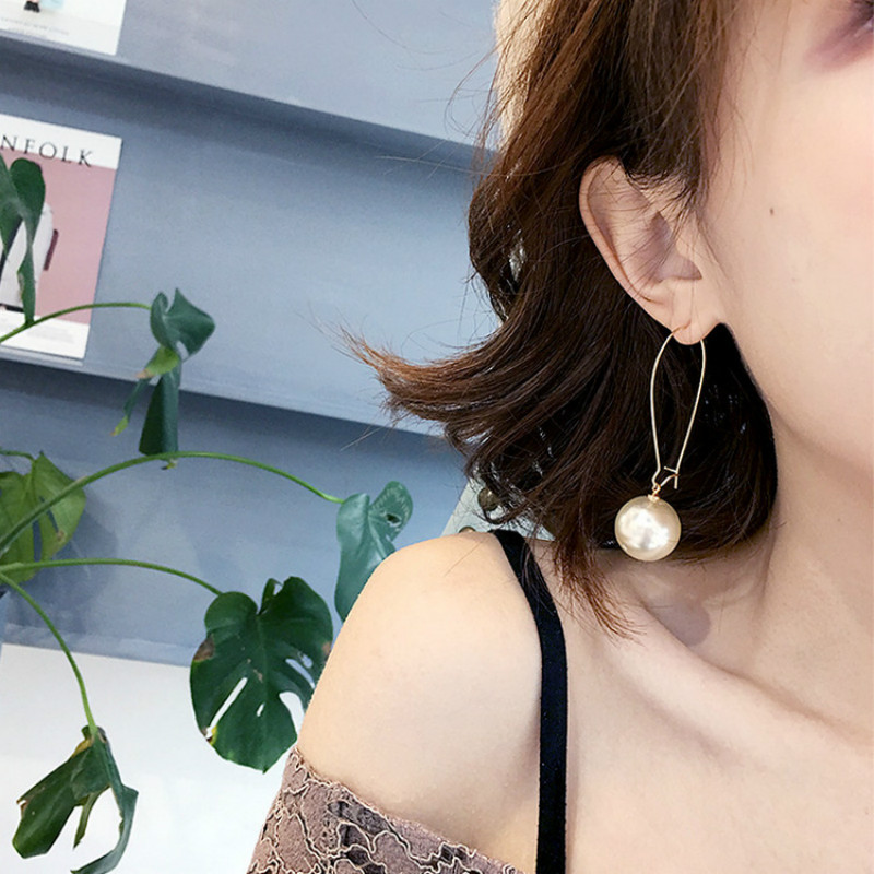 New jewelry earrings long temperament female imitation pearl U-shaped earrings simple wild earrings factory wholesale