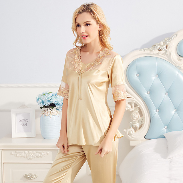 116d4a53147a Womens Beautiful Sleeping Clothes 2 Pieces Set Elegant Sexy Silk Lace  Pajamas Suit Female Home Bathrobe