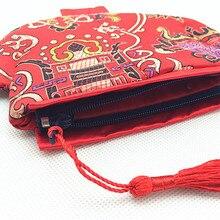 Inusualmente Borla Pequeñas Bolsas de Tela De Regalo de Boda Del Caramelo Bolsa Bolsas de Tela de Seda de estilo Chino Mujer Carpeta de La Moneda 2 unids/lote