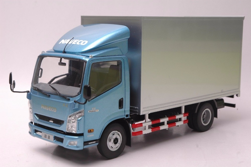1:18 Diecast Model for NAVECO Yuejin Chaoyue C300 Truck Alloy Toy Car Miniature Collection Gifts fine special offer jc wings 1 200 xx2457 portuguese air b737 300 algarve alloy aircraft model collection model holiday gifts