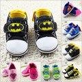 Nuevo Bebé de la Historieta Zapatos 2016 Moda Superman Kids Sport Shoes Totem Bebés Zapatos Casuales Niños Sneakers Primeros Caminante