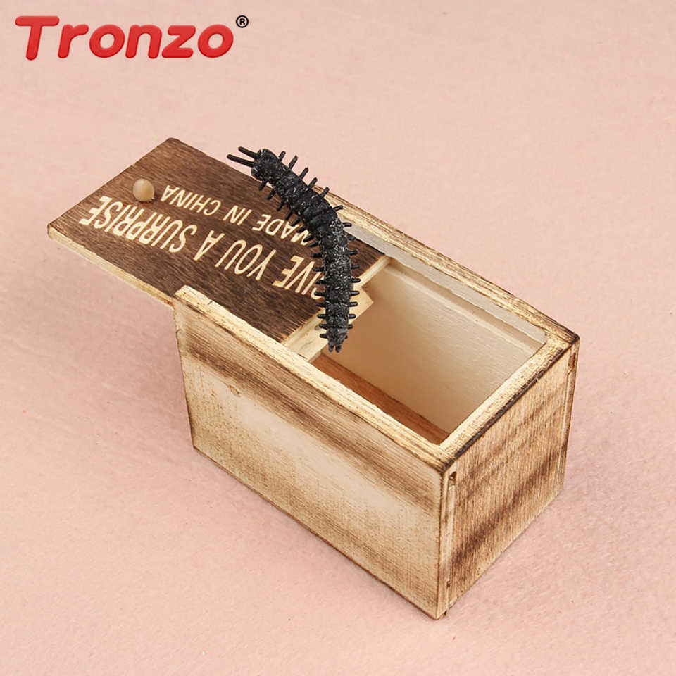 Tronzo Prank Scare Box with Horror Insect Funny Practical Gag Toys Shock Scary Wooden Box Joke Tricky Novelty Toys Drop Shipping