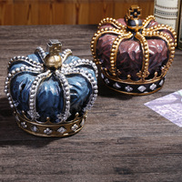 Europe Creative Retro Crown Resin Piggy Bank Christmas Decor Home Decoration Bar Desk Furnishings