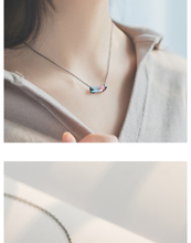Gradation Crystal Designed Pendant Necklace