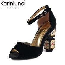 Karinluna/2017 г. бренд размеры 34–43 обувь на высоких квадратных каблуках Pleuche овчина внутри сандалии для вечеринок пикантные Свадебные В стиле принцессы обувь