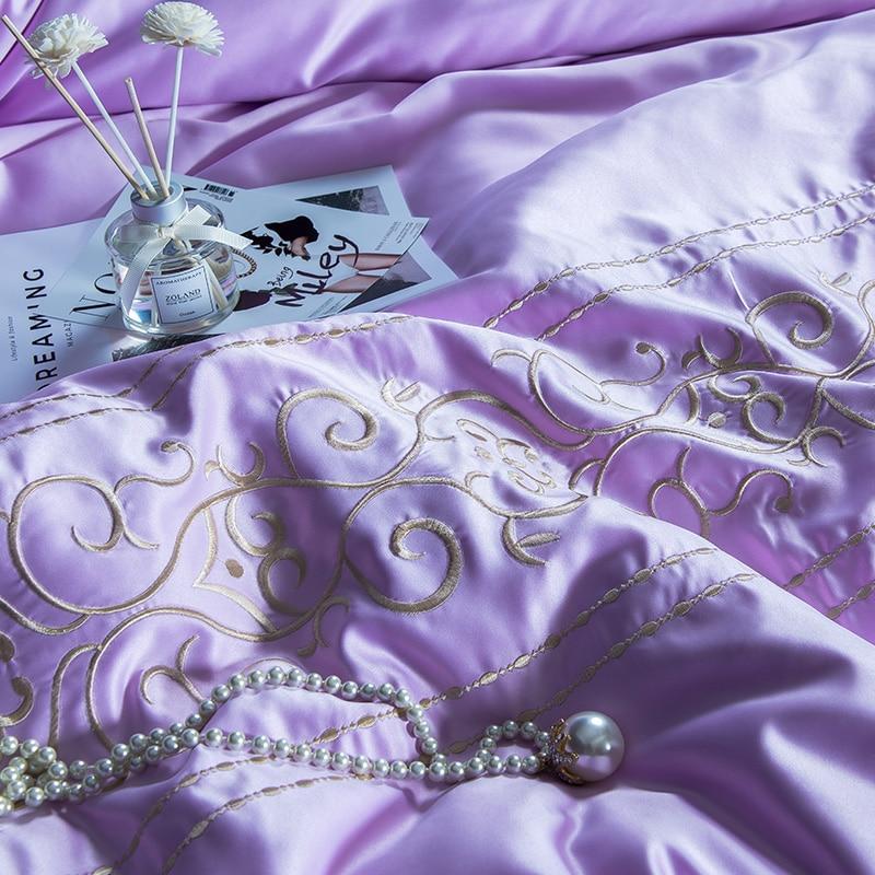 (10)  White silver cotton imitate silk luxurious Bedding Set queen king measurement mattress set Bedsheets linen Europe embroidery Quilt cowl set HTB1OjyppeuSBuNjy1Xcq6AYjFXac