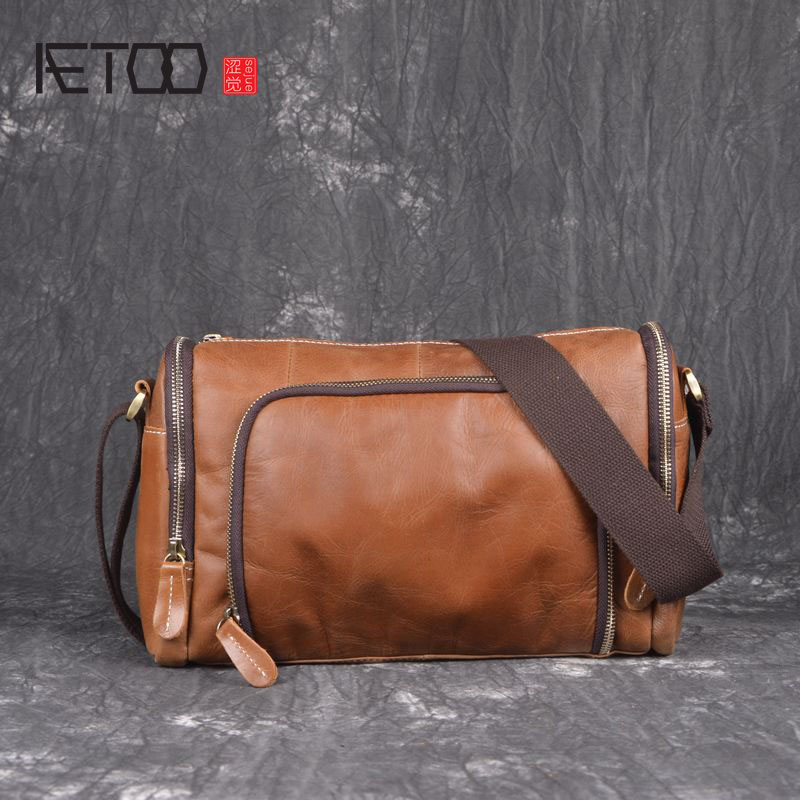 AETOO New handmade cylinder shoulder bag head layer cowhide messenger bag mad horse skin simple fashion casual men bag aetoo original handmade crazy horse skin shoulder bag head layer cowhide art retro mad horse leather bag mountaineering travel b