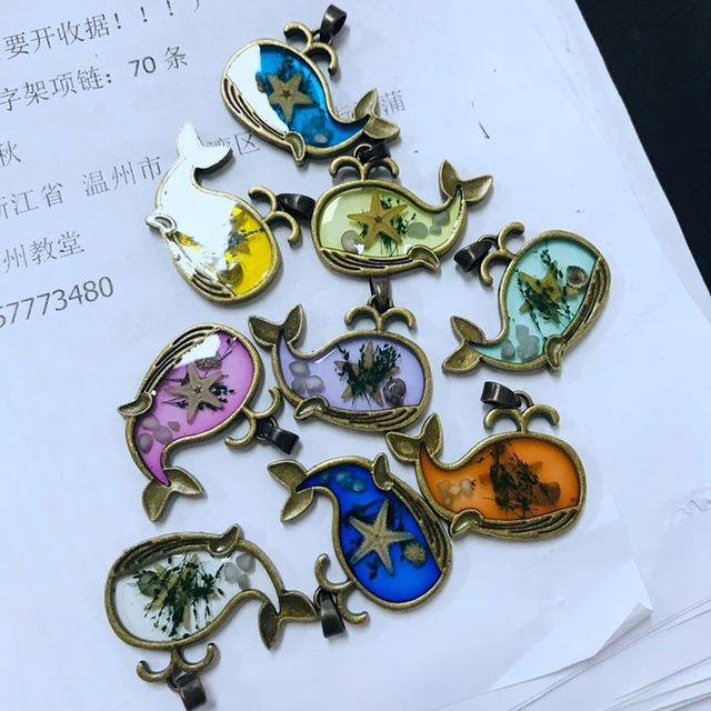 Cute Dolphin Resin Necklace...