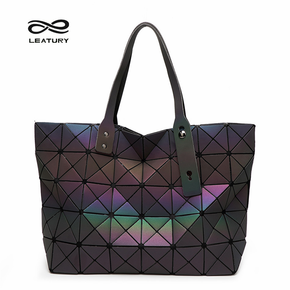 Leatury 7 8 Luminous Women Bags Geometric Plaid Luxury Handbags Women Bags  Designer Large Tote Bag Ladies Evening Bags 31ae52a075477