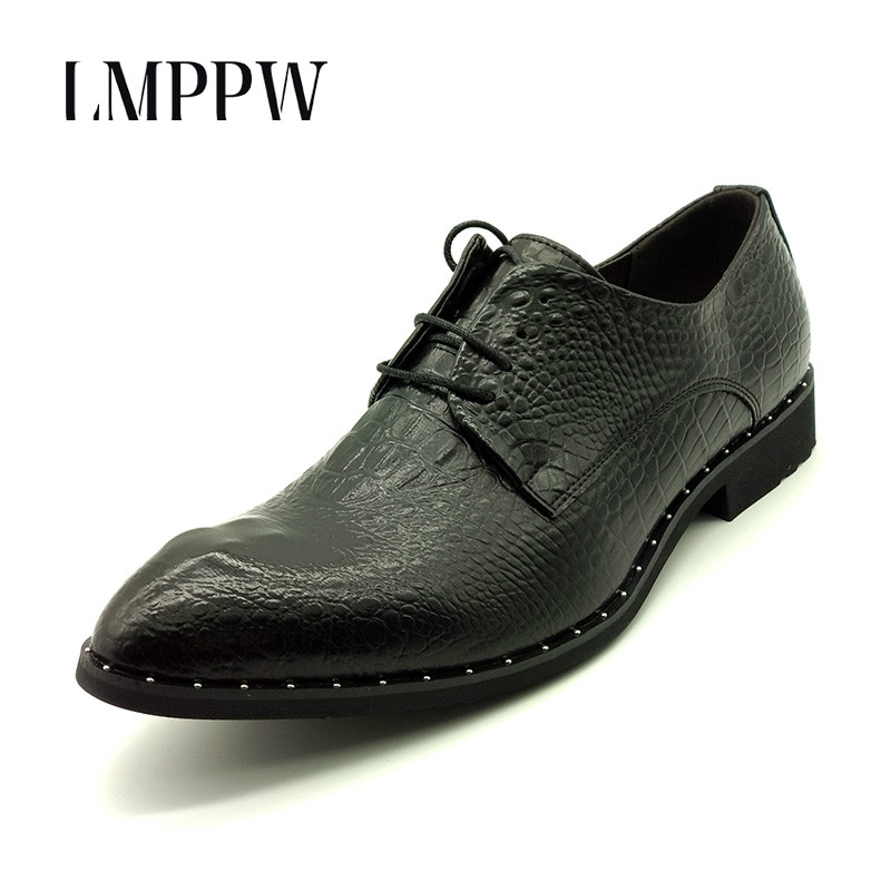 Luxury Brand Men Wedding Shoes Black Red Gold Pointed Toe Oxford Shoes for Men Flats Casual Leather Shoes High Quality Men Shoes brand designer caving men flats outer soles metallic toe leather shoes fashion pointed toe oxford ancient style men shoes