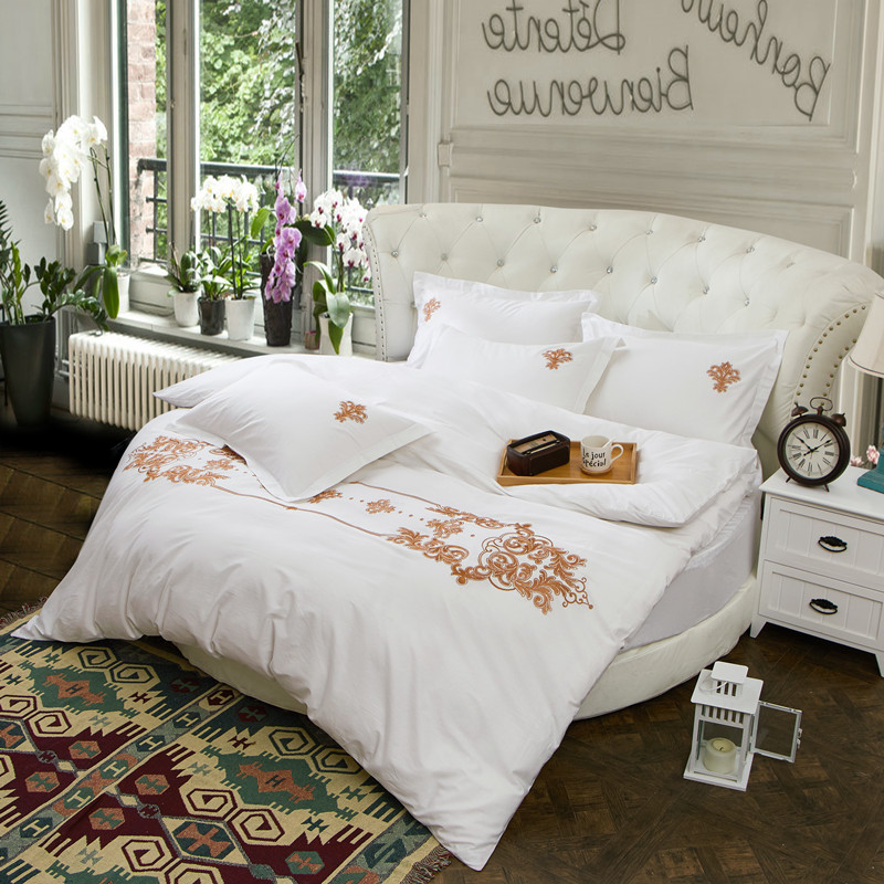 4 Pieces White Luxury Embroidery Round Bedding Set 100% Cotton Duvet Cover  Round Fitted Sheet Part 70