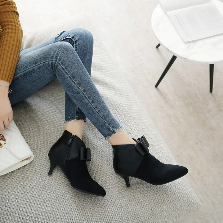 Big Size 11 12 13 14 Suede-tipped, thin-heeled, high-heeled, patchwork flower, bow-tied, side zipper, short-barrel fashion bootsBig Size 11 12 13 14 Suede-tipped, thin-heeled, high-heeled, patchwork flower, bow-tied, side zipper, short-barrel fashion boots