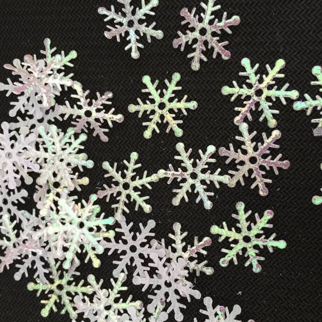 300 Pieces/Pack! Snowflakes Christmas Ornament Xmas Tree Hanging Decoration Holiday Garden Christmas Wedding Party Snowflake