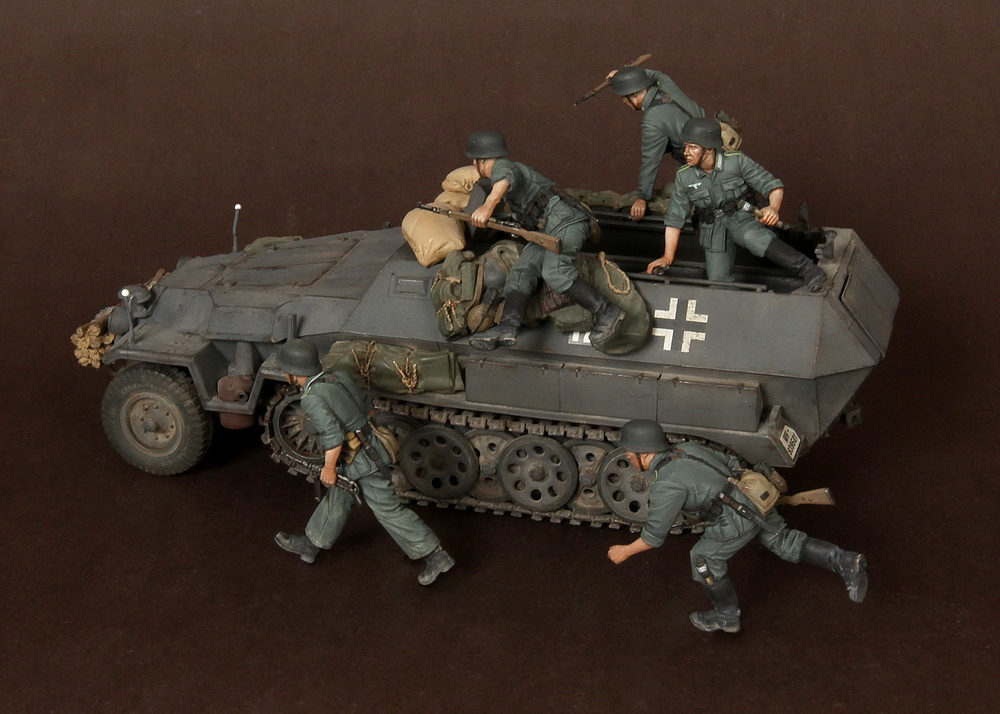 <font><b>1</b></font>/<font><b>35</b></font> WWII <font><b>German</b></font> panzer bombing 5 figures <font><b>Resin</b></font> solider <font><b>Model</b></font> K Unassambled Unpainted without tank image