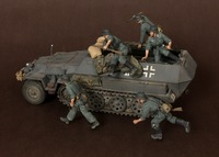 1/35 WWII German panzer bombing 5 figures Resin solider Model K Unassambled Unpainted without tank