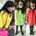 O envio gratuito de Inverno novo da menina doce cor feitiço ombro pena menina crescer roupas de algodão-acolchoado