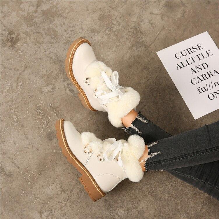 f6bac22021c251 Chaud blanc De 2018 Bottes Cheville Noir Avec Noir Femmes Casual D'hiver  Marque Neige Chaussures Chaussure Jookrrix Dame Femelle ...