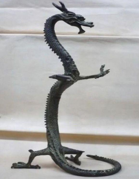 Caractéristiques chinoises exquise statue de dragon en bronze fait main