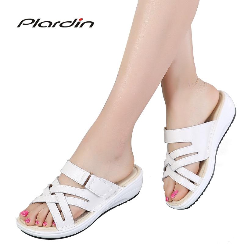 plardin 2018 Summer women slippers slip on round toe flat slides sandals women white black leather slippers flip flops slippers