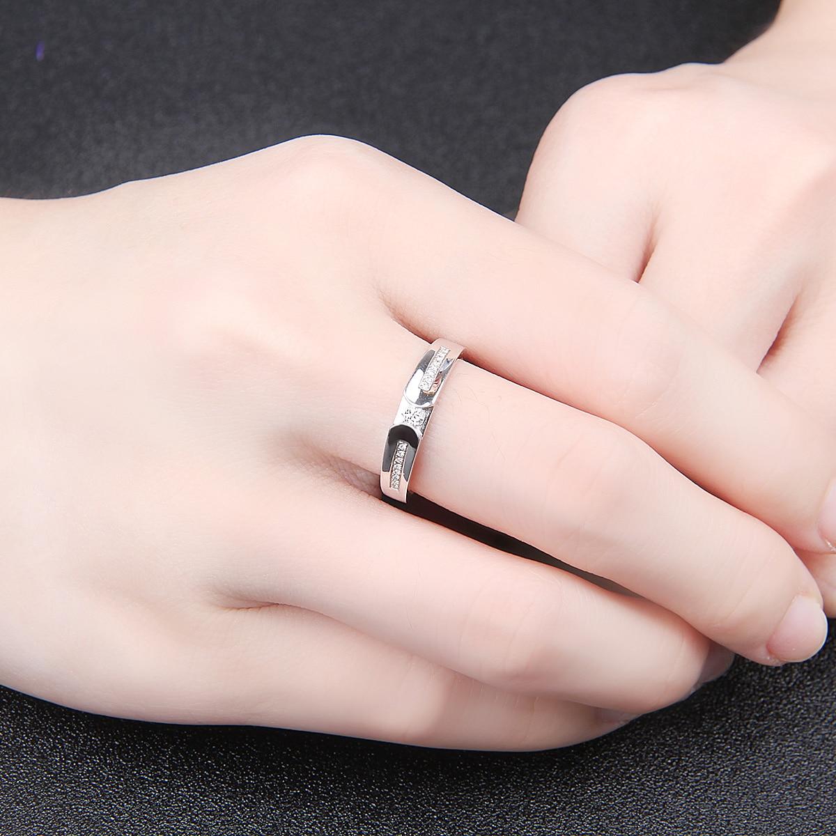 18K Gold Diamond Ring Color Gold Couple On The Ring Platinum Diamond ...