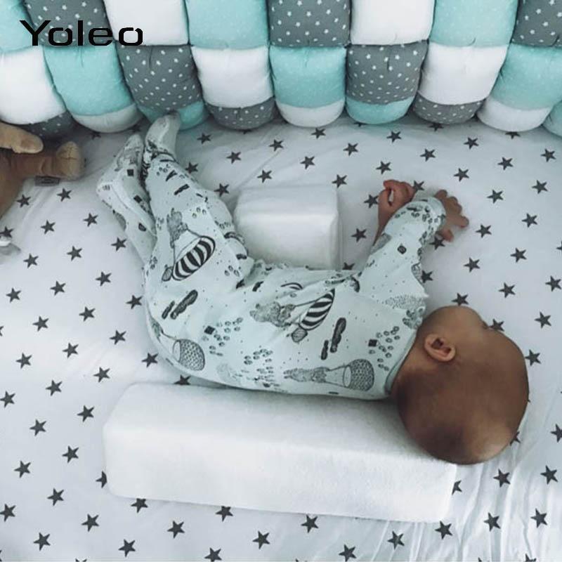 Bebê recém-nascido shaping travesseiro anti-rollover lado dormir