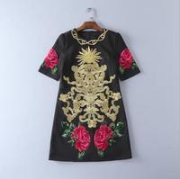 אירופה ובארצות הברית של הנשים ללבוש הקיץ החדש 2017 רקמת חוטי זהב פרצוף מחייך פרח סטריאו dress