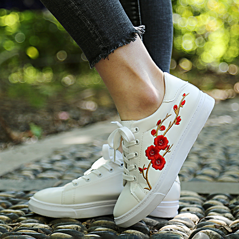 White Shoes Embroidery Moccasins Women Sneakers Soft Breathable Casual zapatos mujer PU Leather Students Lace-Up Flat Shoes instantarts women flats emoji face smile pattern summer air mesh beach flat shoes for youth girls mujer casual light sneakers