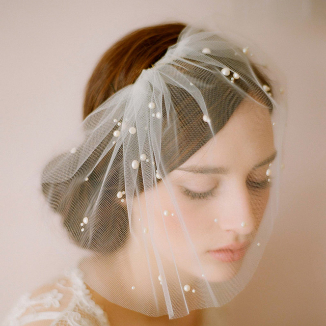 Cheap In Stock Small Bride Veils With Sparkle Beaded Short Face Veil Wedding Accessories Tulle Soft