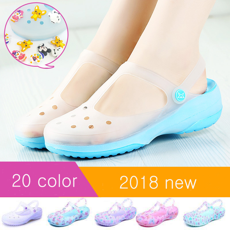 2018 Slip on Casual Garden Clogs Waterproof Shoes Women Classic Nursing EVA Clogs Hospital Women Work Medical Sandals for Girls women s clogs adult shoes lady