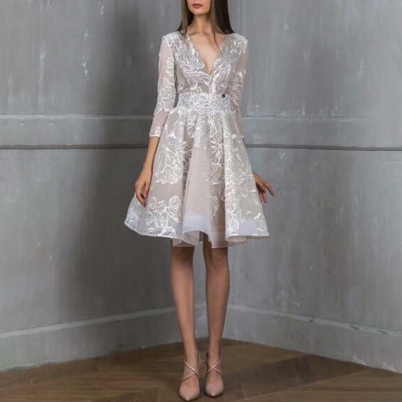 De 2018 Gray Partie Haute Vintage Robes Vêtements Nouveau Automne Femmes Taille Sexy Dentelle Broderie Dress Bal Femelle Robe Twotwinstyle Élégant wv7Uq84WY