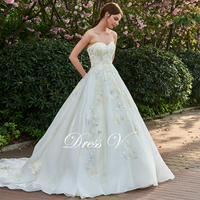 8a903b5294be2 Dressv lace up ivory appliques wedding dress sweetheart church outdoor  bridal gown elegant a line chapel train wedding dresses