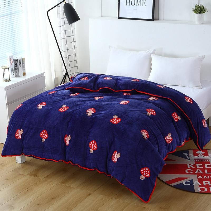 1 Pce Màu Xanh Đậm + Red Mushroom Thời Trang Khăn Trải Giường Bộ bộ đồ giường Bộ Trải Chăn Mền Phong Cách Hiện Đại Bìa Duvet Bao Gồm Chăn Mềm