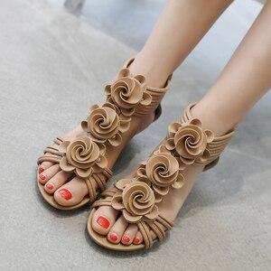 Image 4 - TIMETANG Sandalias de gladiador para mujer, zapatos de plataforma a la moda, con tacones medios y Punta abierta, informales, de cuero suave, novedad de verano