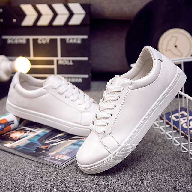 66a5ea1a1d9 2018 fashion brand designers shoes men runners shoes Korean student white  sneakers for man free shipping