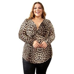 Image 2 - YTL Kadın Büyük Boy Bahar Sonbahar Gri Leopar Derin V Boyun Uzun Kollu Ince Tunik Üst Büyük Boyutu Bluzlar Kadın 5XL 6XL 7XL H088