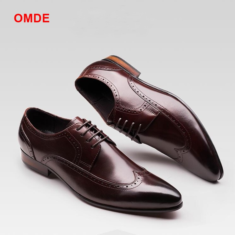 OMDE New Design Pointed Toe Dress Shoes Men Leather Shoes Lace-Up Modern Brogue Formal Shoes Carved Oxford Shoes For Men black leather british style carved men brogue shoes pointed toe lace up flat men bussiess dress men shoes high quality