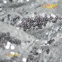 Оптовая продажа дешевые 50 ярдов Блестящие, серебряные блесток Ткань высокое качество 3 мм блесток Ткань для вышивки фон Свадебные украшения