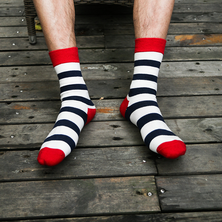 a059ce1ea92c6 New Autumn Winter Cotton Men Socks Wave Stripe Korean Striped Socks  Wholesale