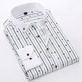 Verão 2017 Listrado dos homens Jovens/Checkered da Manta Camisas de Vestido Slim-fit Light-weight/Fino de Impressão Botão Para Baixo Camisa de Manga comprida